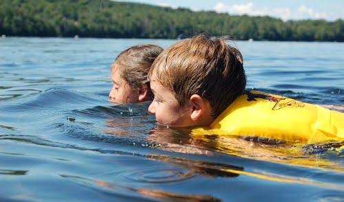 kids-swimming